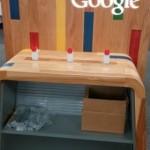 米Best Buyで謎のGoogleのディスプレイが出現。Nexus 5の展示に使用する?
