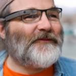 Google Glassの既に着用している度入りのメガネに装着できるバージョンが今年の後半に登場予定。