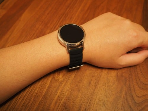moto360-2nd-tylt-band19