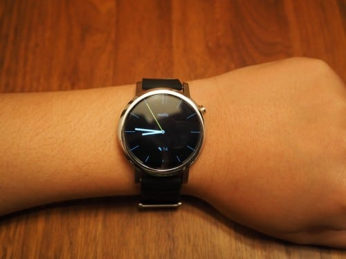 moto360-2nd-tylt-band232