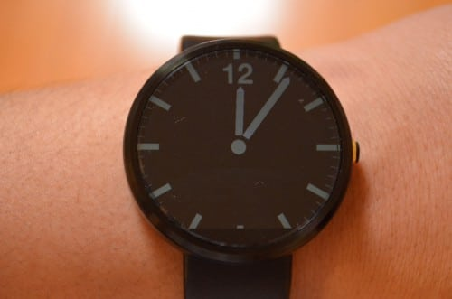 moto360-ambient-mode-on3