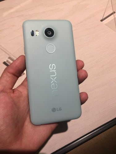 nexus5-hands-on1